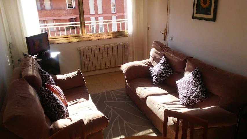 Dos habitaciones por el precio de una. - Sabadell - Apartament