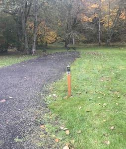 Rv spot G 20 amp full hook up  by creek & bunnies