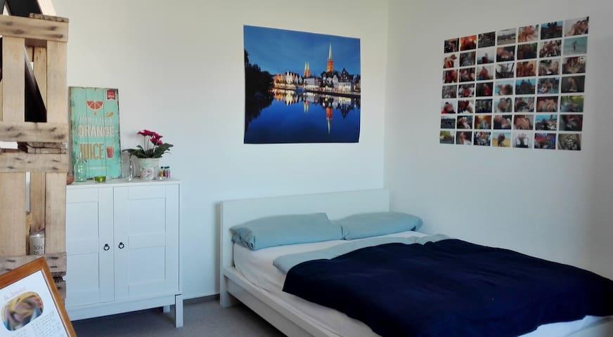 Gemütliches Zimmer in Klinik- und Hochschulnähe - Lübeck - Apartment