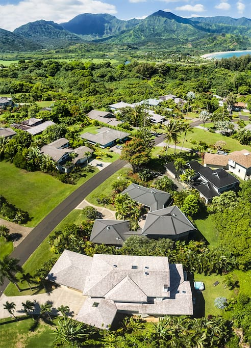 Villa Lauloa from the air with Hanalei Bay in background