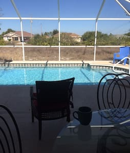 Nice private room in Sunny Florida! - Lehigh Acres - Haus