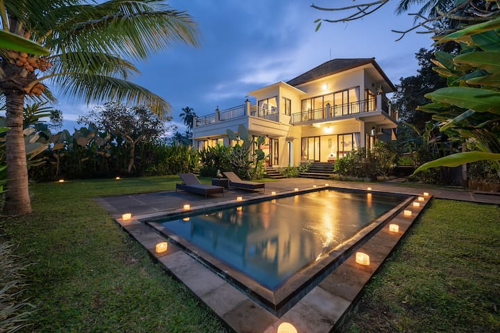 Private 3BR Pool Villa, Rice Paddy Healing