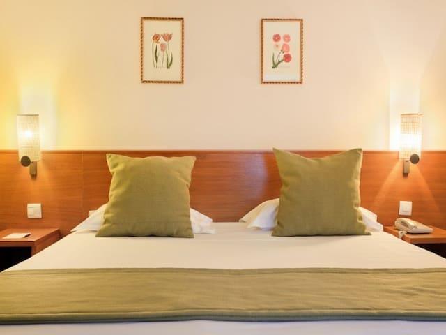 Room Duo