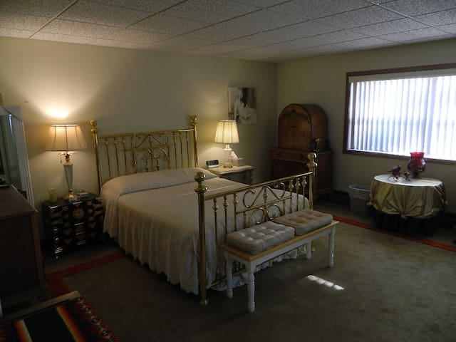 Lancaster Spacious Living Close to Attractions - Lancaster - Casa