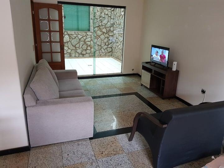 4 quartos c/ suíte no São Mateus (até 10 pessoas)