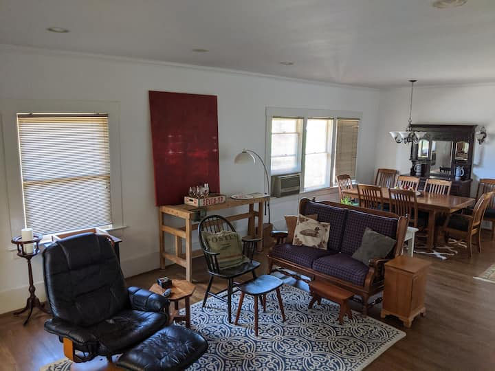 Historic Auburn Home near downtown, American River
