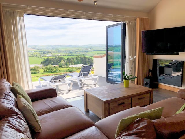 Moonshine - Romantic apartment for two in North Cornwall