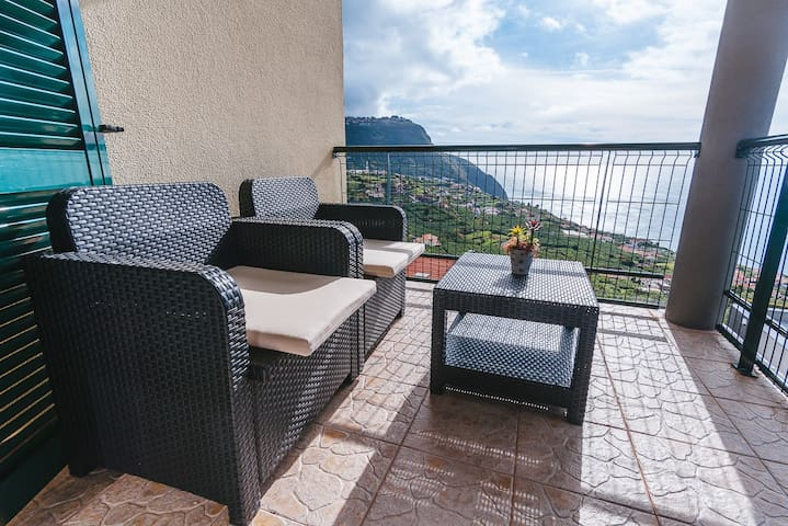 Cozy  Holiday Apartment in Calheta Double Beds