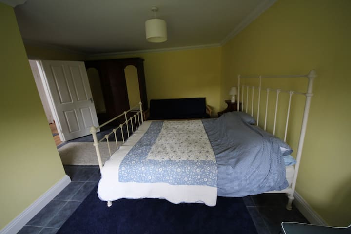 Rural Essex, peaceful location, King size bed - Saint Lawrence - House