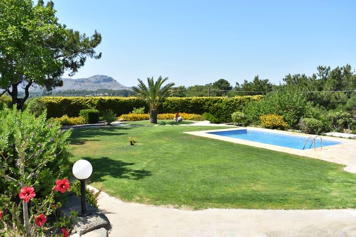 Pool Villa ruhige Lage, Garten, 3km vom Strand