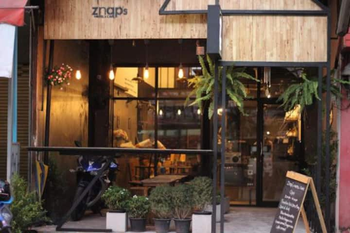 Znap's hostel and cafe