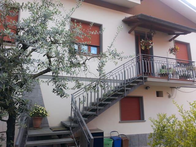 Soggiorno tra le colline lucchesi,Lucca eVersilia