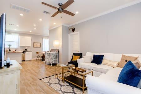 Modern Luxury, 5 mi to Dwntn, Quiet Location SXSW - Austin - Haus