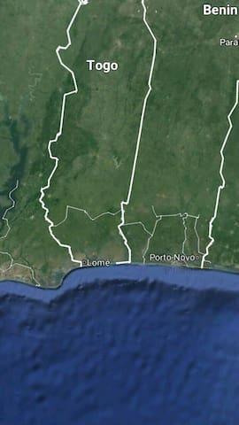 Grande Villa à 150 m de la mer - Cotonou - Huis