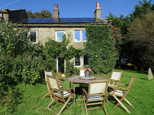 Olde Skipton Cottage Walkers Hideaway Sleeps 4-6 - Skipton - Talo