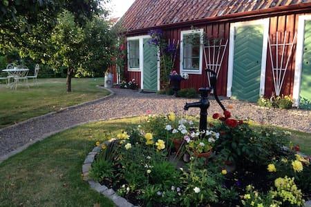 Gårdshus i gamla Vadstena - Vadstena - Lägenhet