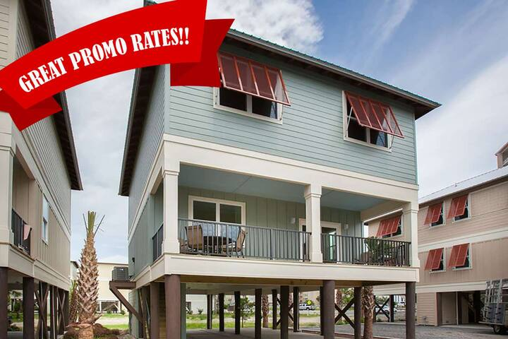 Newly built cottage in the heart of Gulf Shores | Outdoor pool, Wifi, Deeded beach access
