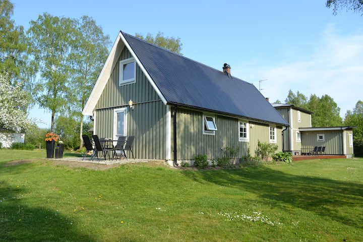Gröna huset - kom och bo i lugn och ro.