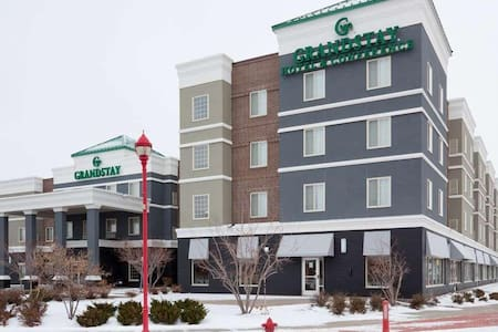 GrandStay Hotel & Conference