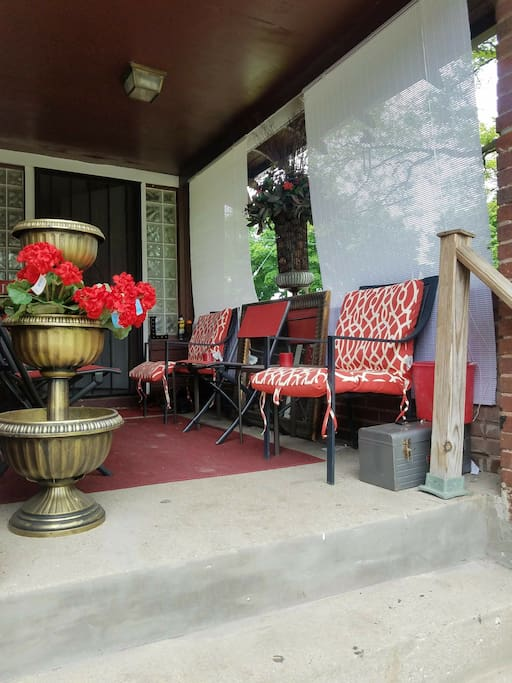 Front porch, pic #2