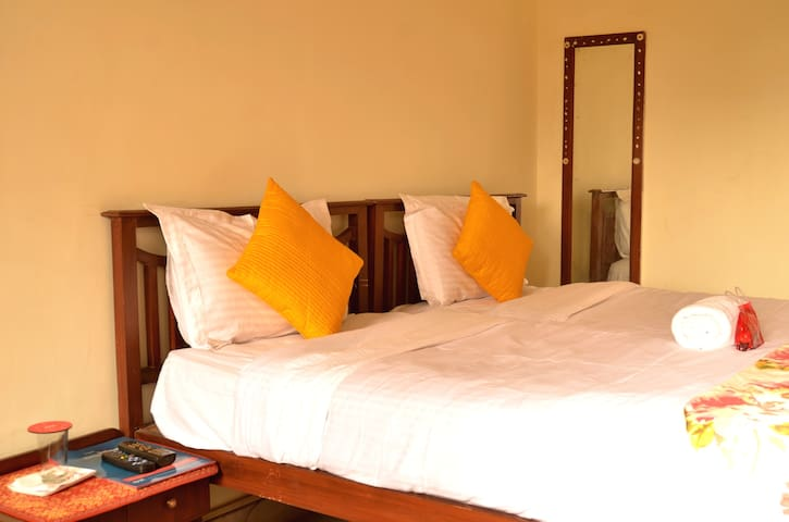 AC Double Bed Room at Jaipur