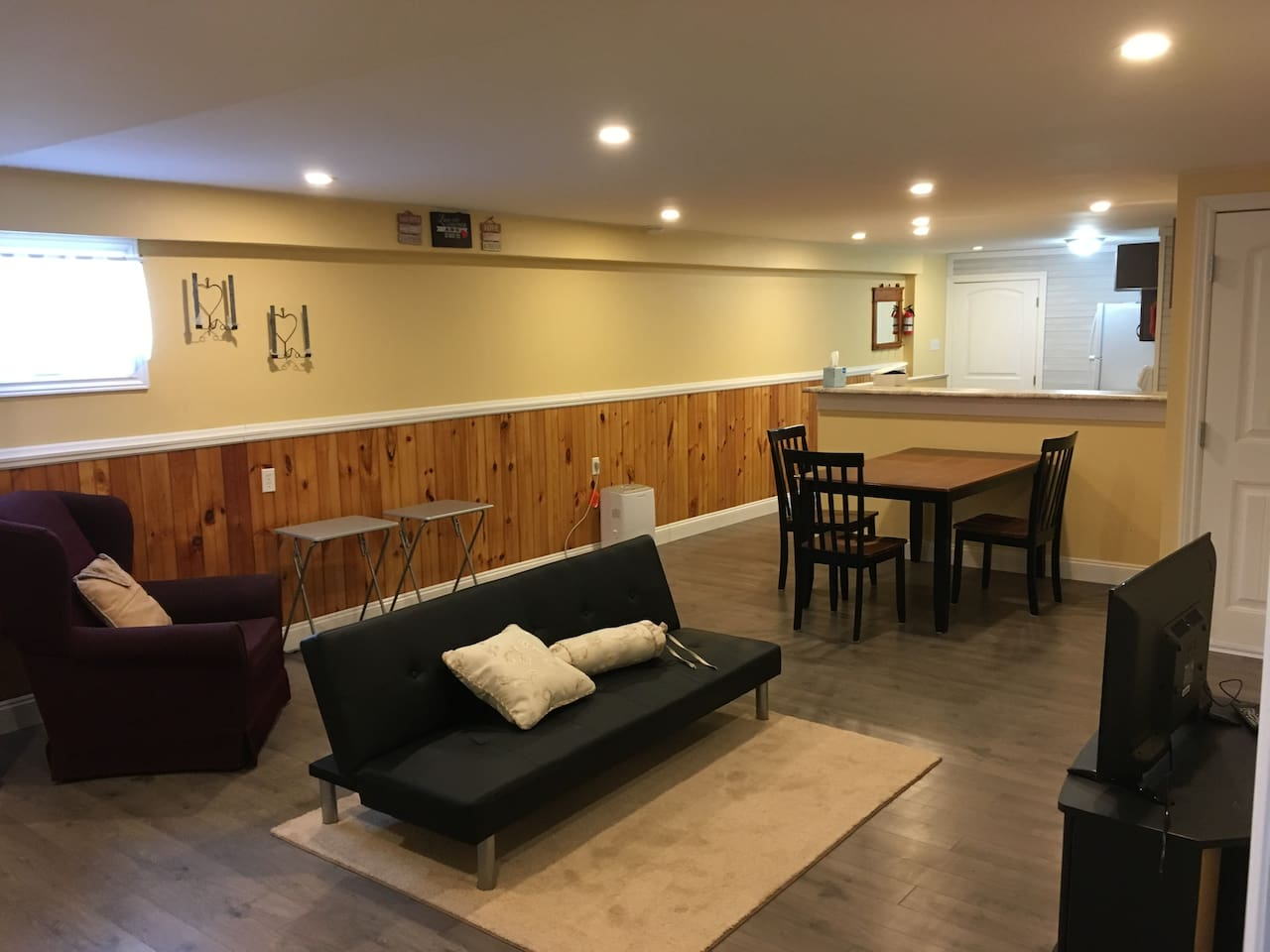 Approx. 900 sq. ft. of comfortable living area.