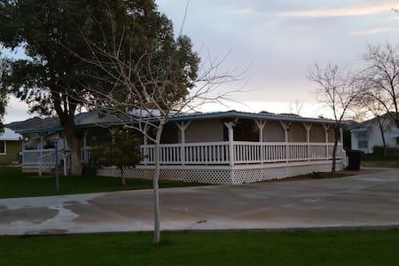 Away in Arizona-Baseball Spring Training - Congress - Rumah