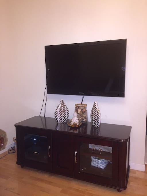 Cable Flat Screen TV