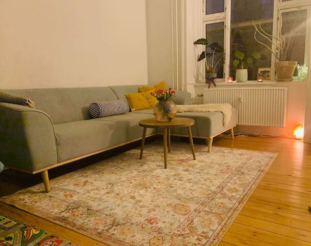 Newly renovated 2 room apartment /spacious kitchen