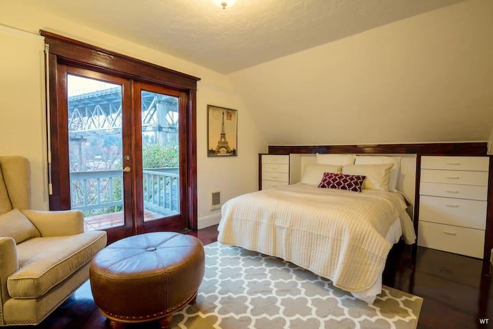 Historic Craftsman w/views, walk to DT Fremont