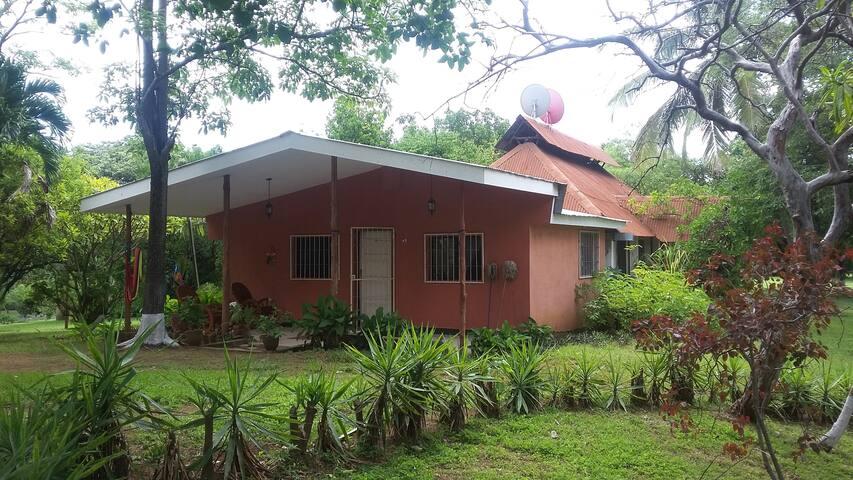 Apartamento amoblado con Piscina - Masaya - Cottage