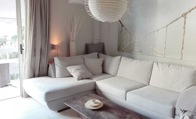 Cozy modern and warm apartment - Kifisia - Appartement
