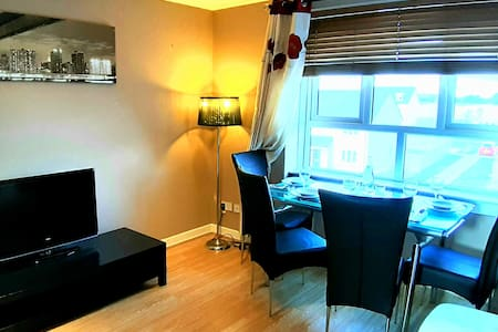 Lily's fabulous apartment Glasgow Airport