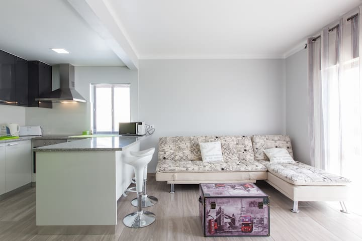 Surf City Flat in Peniche/ Baleal - 7PAX - Ferrel