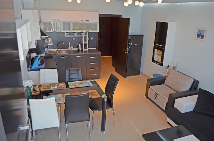 Akra Apartments Chenomoretz - Chernomorets - Guesthouse