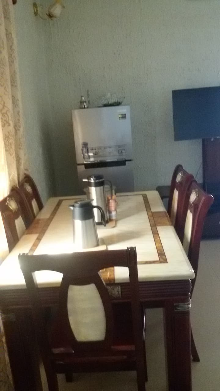 Clean villa with a nice decor, 20 min from ACI2000
