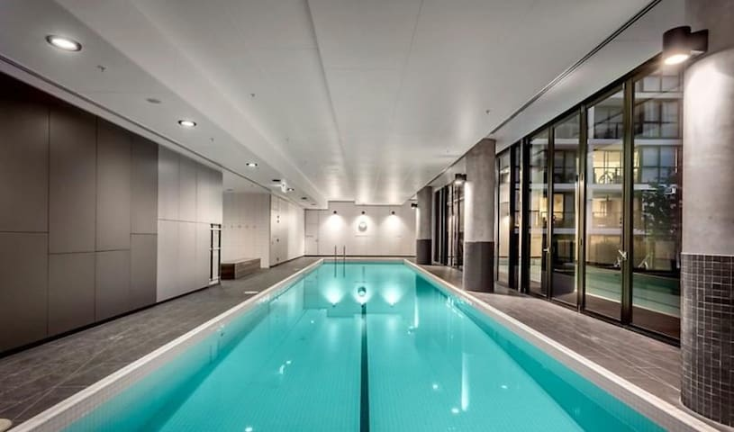 Cheap but modern, excellent location, pool  & gym