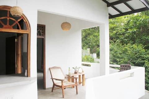 Banana Leaf apartments- Kittul Room-Hikkaduwa