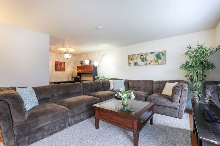 Gorgeous 2Br/1Ba Home in DT Mtn View (R)