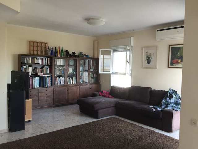 Spacious family appartment in the center of Modiin
