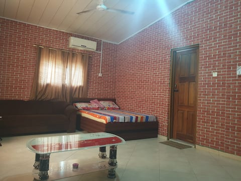 ✨⭐ Deluxe Red Cozy Room - Pvt Rm / Fast Wifi