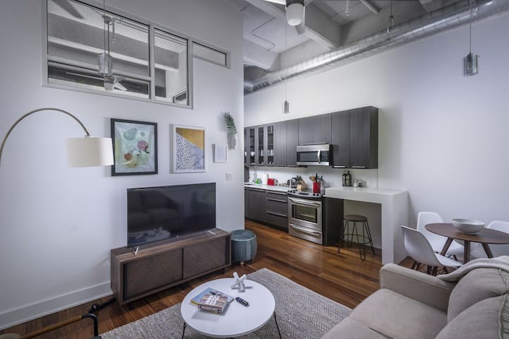 Sleek 1BD/1BA w/ Rooftop Hot Tub in Philadelphia