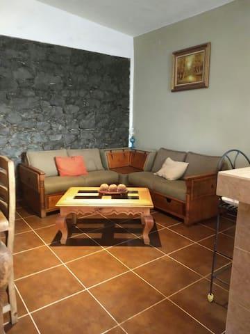 Barda de Piedra Departamento Amueblado