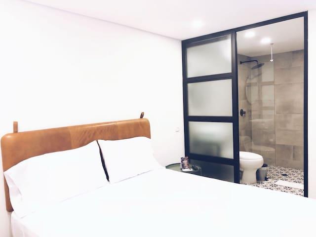 574 Hotel - Small Single
