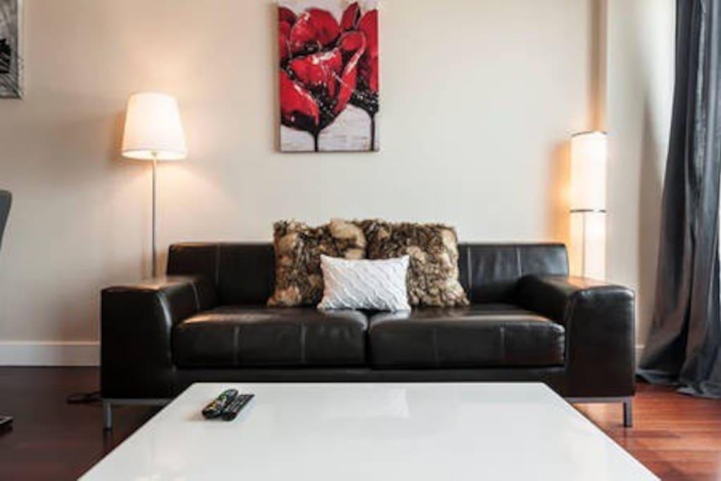 Living room (sofa, wall art and lamps)