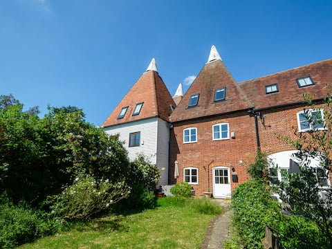 Kentish Oast House - Perfect Family Holiday Home!
