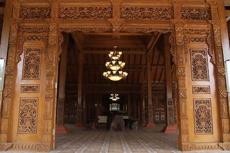 Joglo House - Teak Wooden Bungalow - Setu