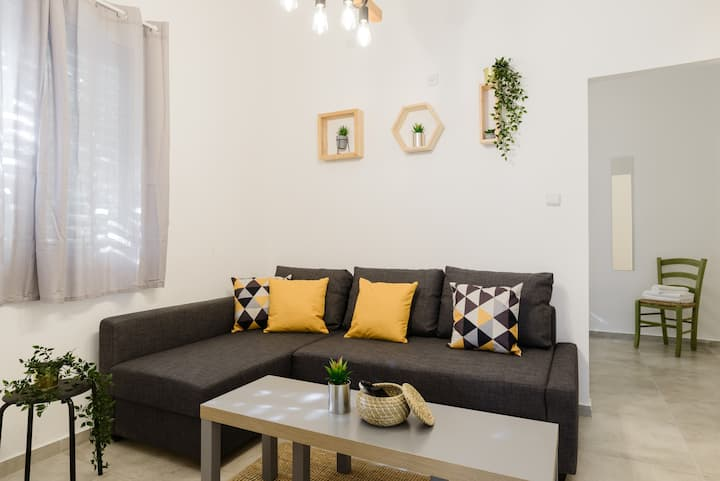 ★Charming 1BR Apt ★Art&Culture★TLV beating Heart★