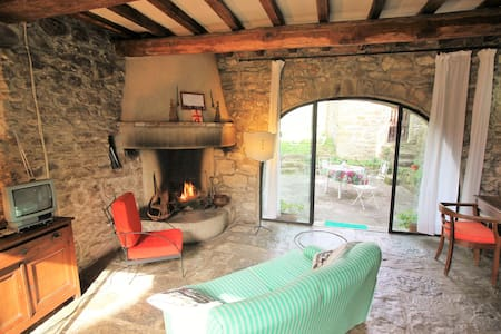 Lovely old mill+pool near Florence - Londa