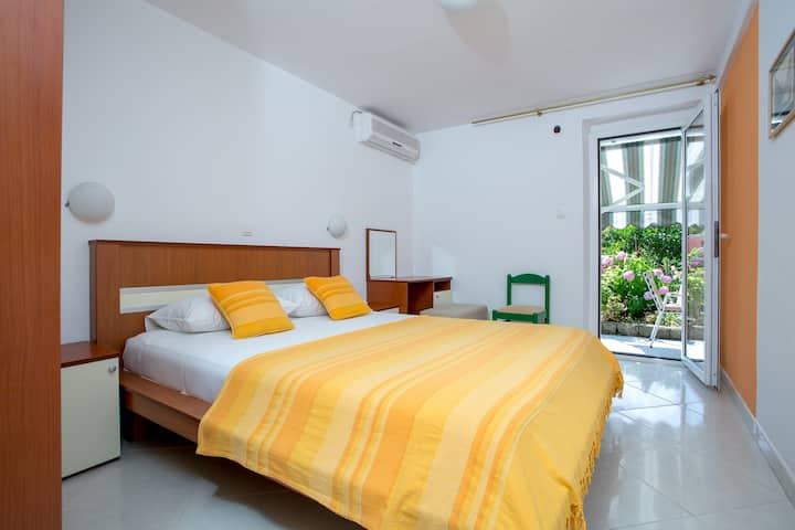 Sofija Apartments - Yellow App